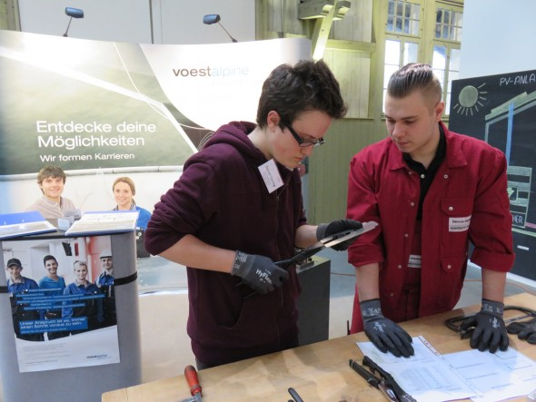 In the limelight: Apprentices at Automotive Components Schwäbisch Gmünd convince young people at training fairs of the value of an apprenticeship at voestalpine.