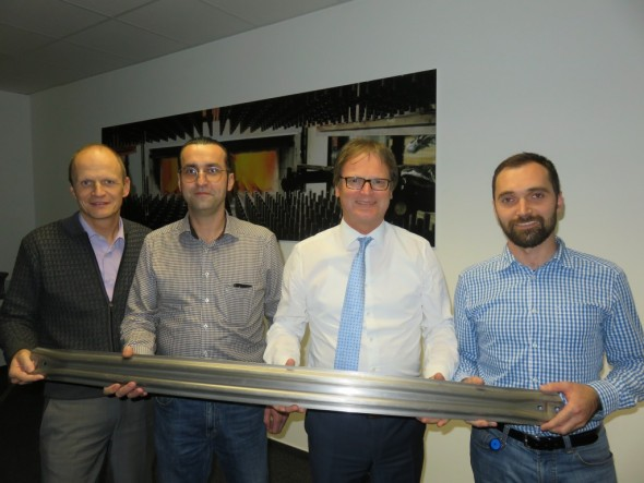 Hope for the future: The high-strength aluminum side sections that are produced in Schwäbisch Gmünd for a premium German automobile manufacturer are just the beginning. Reiner Kelsch, Martin Hemmann (Project Manager), Benno Rammelmüller (Managing Director), and Robert Schneider (Project Manager for Aluminum Technology Development) (left to right) are positive that more lightweight aluminum parts will follow in the future.