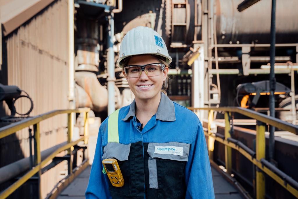 Anna Griesser, Betriebsingenieurin am Hochofen 5